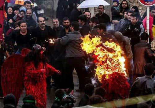 آتش گرفتن چند نفر در مراسم تعزیه + تصاویر