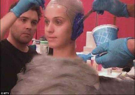 نتیجه گریم و آرایش هفت ساعته خانم هنرمند معروف + عکس