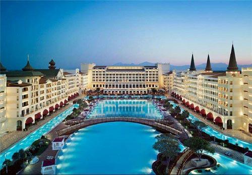 اجاره 18 روزه هتل مجلل در آنتالیا برای پادشاه عربستان +عکس