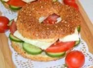 طرز تهیه ساندویچ خوشمزه سیمیت ترکیه ای + عکس