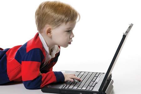 این کودک نابغه اوتیسمی ذهن افراد را میخواند + عکس
