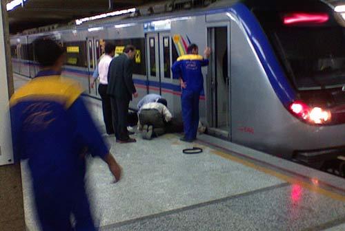 خودکشی نافرجام زن جوان در مترو تهران