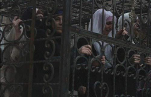 وحشیگری تازه تروریستها با زنهای اسیر + عکس