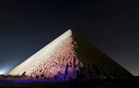 معمای لکه های حرارتی عجیب در دیوارهای اهرام مصر + عکس
