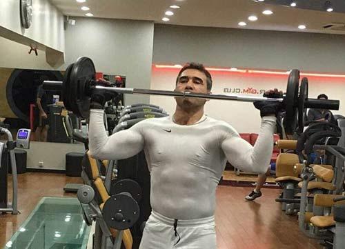 هیکل عضله ای و شکم سیکس پک عابدزاده + عکس