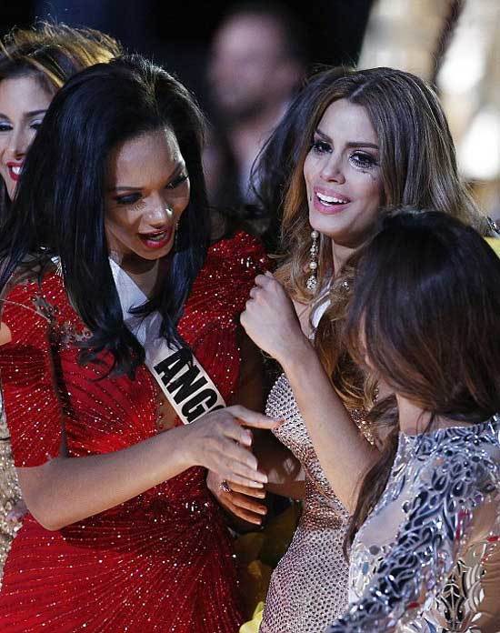 گاف وحشتناک مجری مسابقات دختر شایسته جهان 2015+عکس