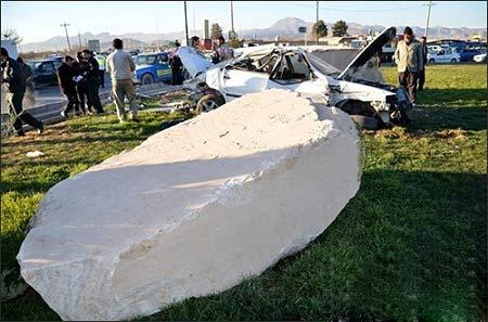 سنگی که عامل مرگ مامور راهنمایی رانندگی شد + عکس
