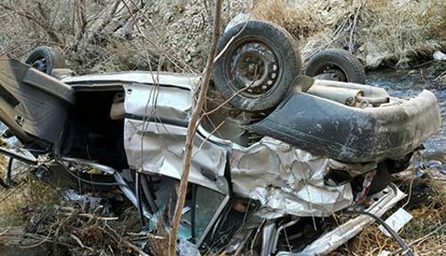 نجات معجزه آسای راننده پراید بعد از سقوط به دره 200 متری +عکس