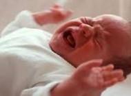 بدنیا آمدن نوزاد عجول مهریزی در پراید
