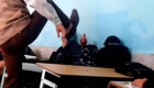 تنبیه وحشیانه دانش آموزان الیگودرزی توسط معلم + فیلم و عکس