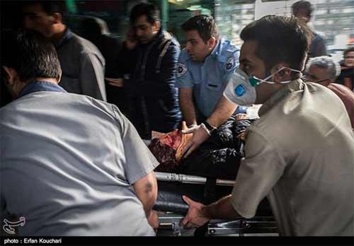 20 دقیقه جان کندن دختر در چندقدمی بیمارستان +عکس 18+