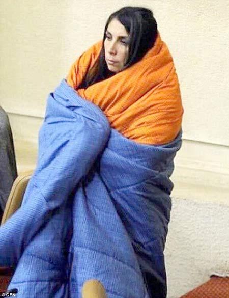 نماینده زنی که با لحاف خوابش وارد صحن مجلس شد +عکس