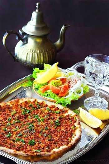 پیتزا ترکیه ای لاه ماجون را در خانه درست کنید