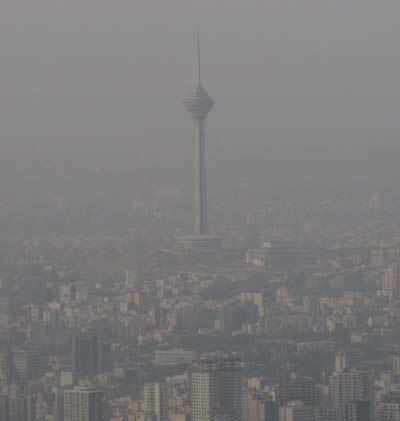 گزارشگر ورزشی تلویزیون به خاطر آلودگی هوا بستری شد +عکس