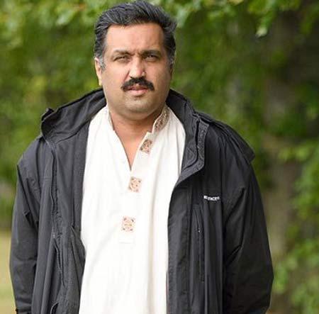 محمد آباد که در 41 سالگی صاحب آلت جنسی شد بکارتش را فروخت +عکس