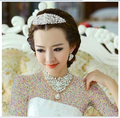 زیباترین مدلهای گردنبند و گوشواره عروس 2016