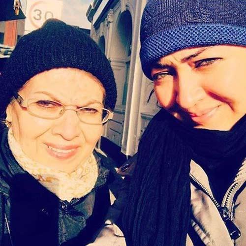 تیپ نیکی کریمی و مادرش در لندن