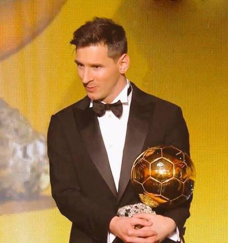 واکنش رونالدو و مسی هنگام اعطای توپ طلا 2015
