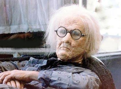 پیر کردن حرفه ای چهره بازیگران توسط گریمور معروف ایرانی +عکس