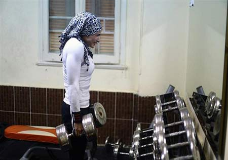 هیکل جذاب دختر بدنساز مسلمان +عکس