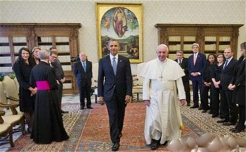 جنجال عکس لخت سه حوری در دیدار روحانی و پاپ +عکس