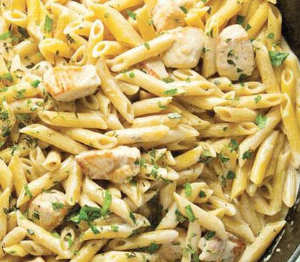 طرز تهیه غذای فوری پنه ریگاته با سس آلفردو و مرغ