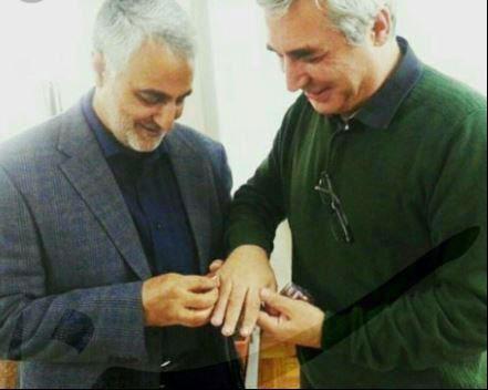 هدیه جالب سردار سلیمانی به حاتمی کیا +عکس
