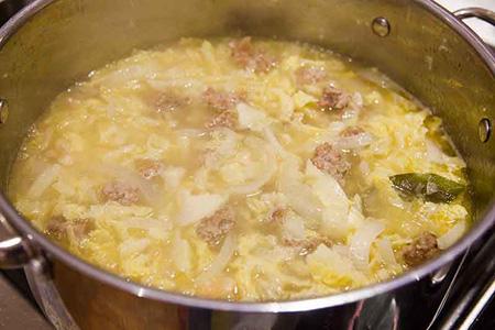 آموزش پخت خورش کلم و سوسیس ایتالیایی