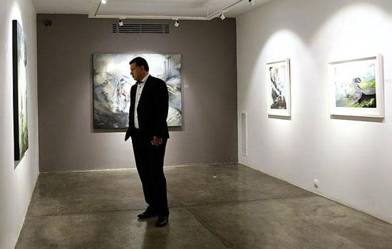 علی دایی و همایون شجریان در گالری نقاشی