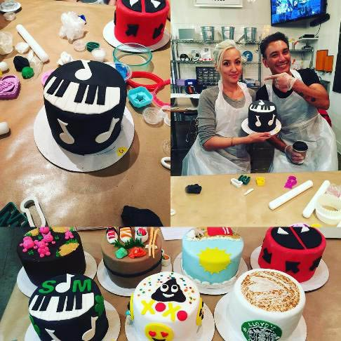 خواننده معروف شادمهر عقیلی و خانمش در حال کیک پختن