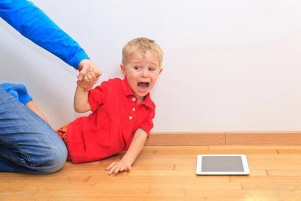 دنیای پر از خطر فضای مجازی برای بچه ها