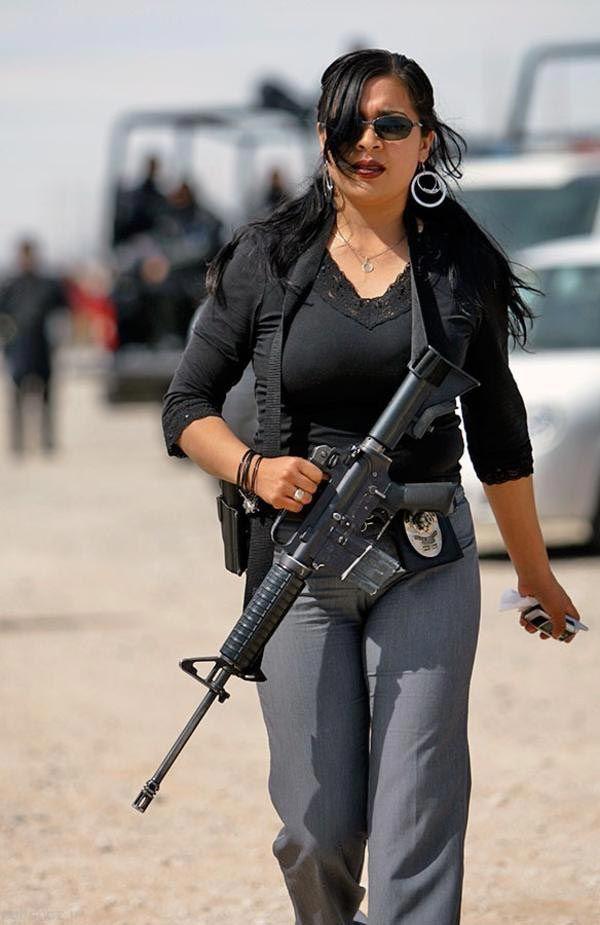 تصاویر پلیس زن در سراسر جهان را ببینید