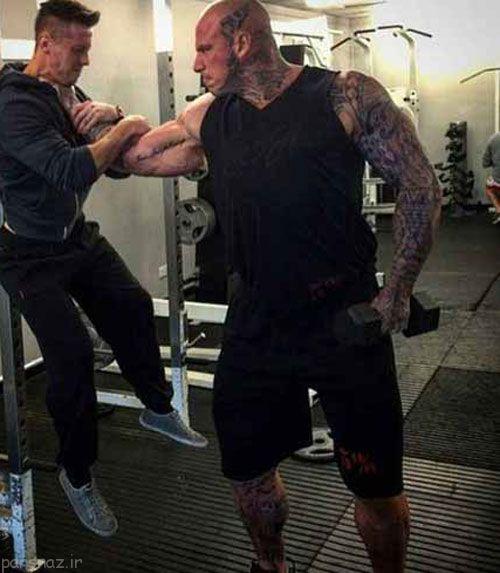 بدن لاغر این مرد با بدنسازی چه تفاوت کرده است