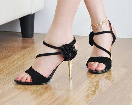زیباترین و شیک ترین مدلهای کفش مشکی زنانه 2016