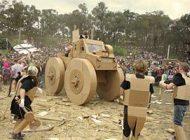 عکس هایی جالب از جنگ مقوایی واقعی