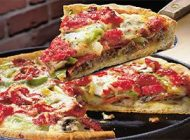 یک پیتزای خانگی بدون استفاده از فر درست کنید