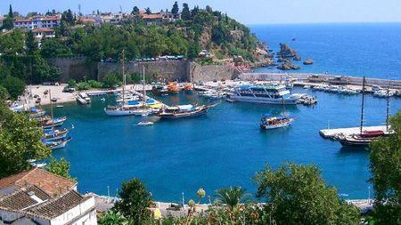 شهر رویایی آنتالیا با جاذبه های گردشگری زیبا
