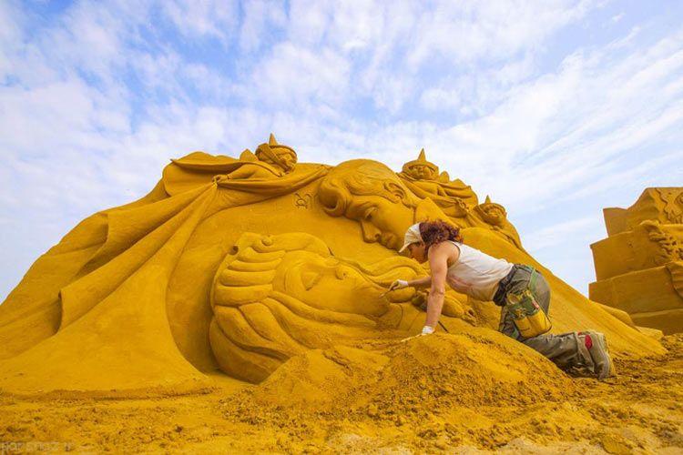 عکس های هنری از مجسمه های شنی در بلژیک