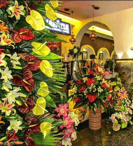 عکس های محمدرضا گلزار در افتتاح رستورانش
