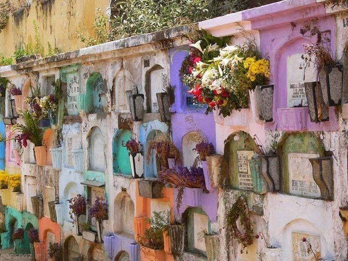 شهری که جاذبه گردشگری آن قبرستان است + عکس
