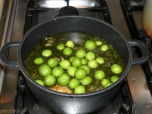آموزش تهیه خورش مرغ و گوجه سبز خوشمزه