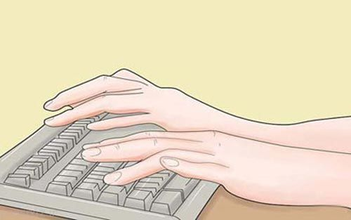 آموزش نشستن بطور مناسب پشت میز کامپیوتر