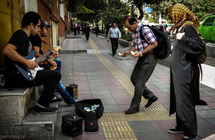 تصاویری از نوازندگی خیابانی در شهر تهران