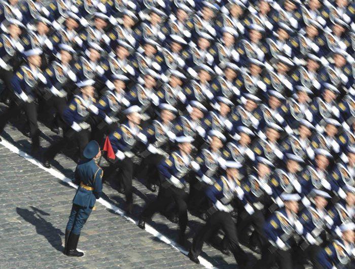 پوتین و قدرت نمایی در سالگرد فروپاشی نازی ها