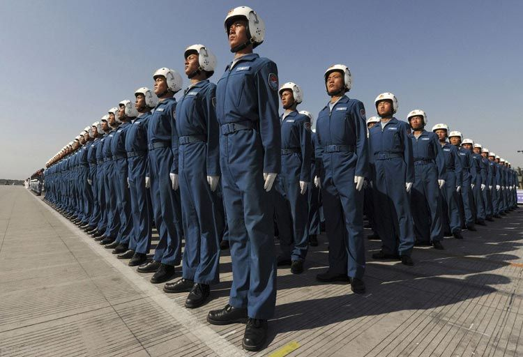 نظم و هماهنگی بی نظیر چینی ها در اجرای مانور