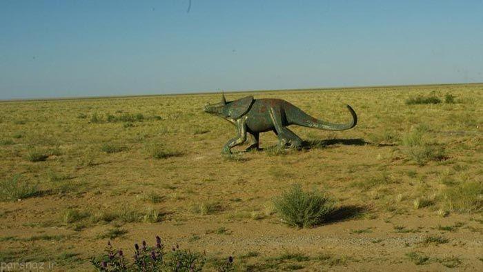 خانه دایناسورها در صحرای چین +عکس