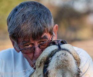 دوستی شیر و انسان طی 11 سال