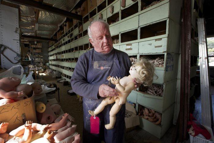بیمارستانی برای بازسازی عروسک ها