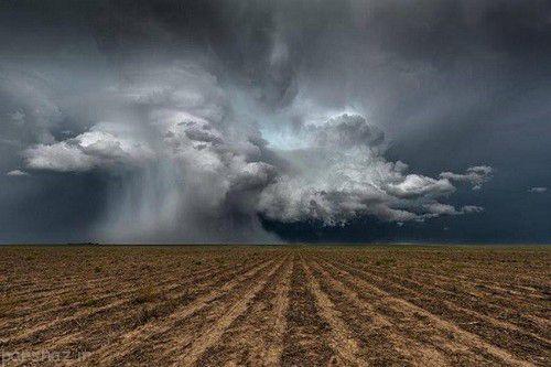 تصاویری از خشم طبیعت با تورنادو در آمریکا