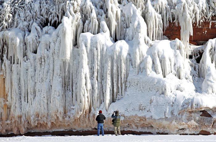 نگاهی به غارهای عجیب دریاچه سوپریور